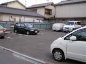 豊里町小谷駐車場
